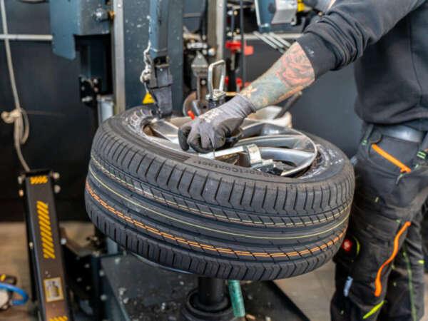 Reifenmontage & Einlagerung